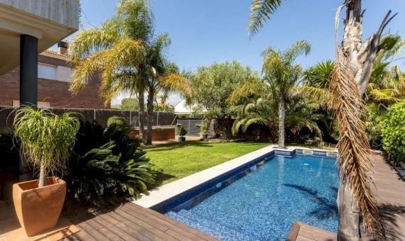 Villa 400 m2 in urbanization Bonavista, Calafell, Costa Dorada | 1