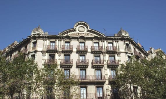 - Продажа жилого здания 1.841 м2 в Эшампле, Барселона