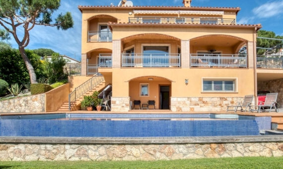 Villa with magnificent sea views in Playa de Aro, Costa Brava | 3