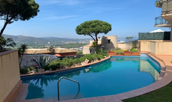 Penthouse with large solarium with sea and mountains views in San Feliu de Guixols, Costa Brava | whatsapp-image-2019-05-23-at-16-26-37-1-570x340-jpg