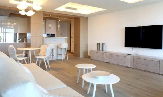 Edificio con 15 apartamentos turísticos en primera línea de mar en Costa Brava | 3
