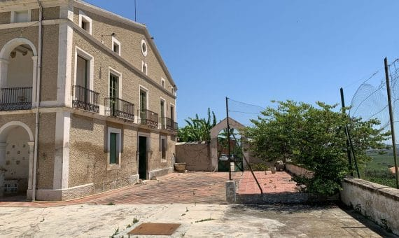 Country estate of 30 ha with vineyard in Penedes, Barcelona | 1