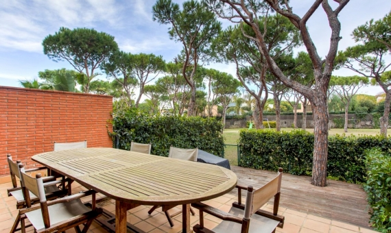 Townhouse with private garden and sea view in Gava Mar | 4