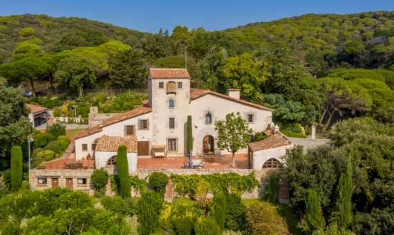 Exclusive country estate with 72 ha of land in Sant Andreu de Llavaneres, Barcelona | dji_0161-570x340-jpg