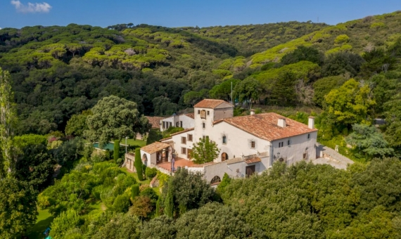 Exclusive country estate with 72 ha of land in Sant Andreu de Llavaneres, Barcelona | 1