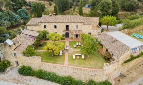 Outstanding country estate with tourist license in Costa Brava | 2