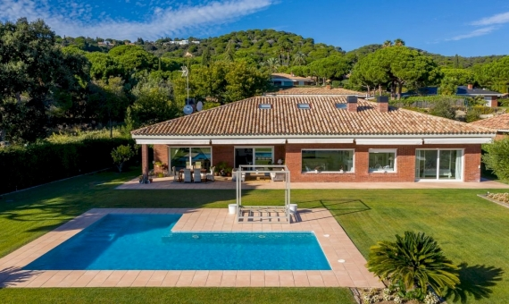 Magnificent villa with sea views in the prestigious Supermaresme area, Barcelona | dji_0297-570x340-jpg