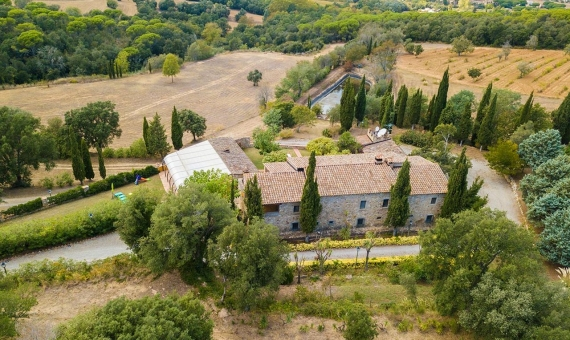 Outstanding country estate with tourist license in Costa Brava | 4