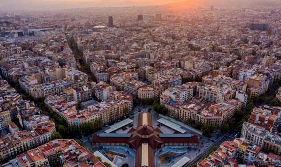 - Building with tourist licenses in Eixample, Barcelona