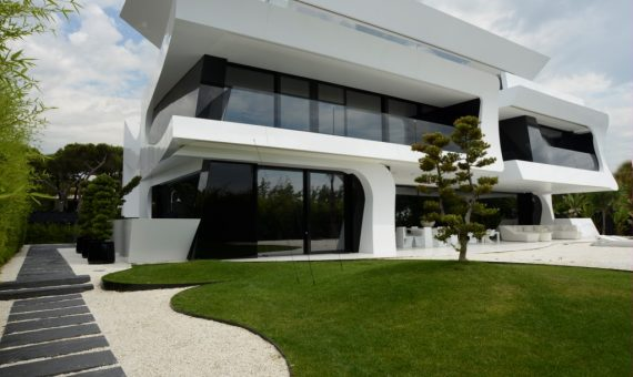Luxury modern style villa on the seafront in Gava Mar | 4-570x340-jpg