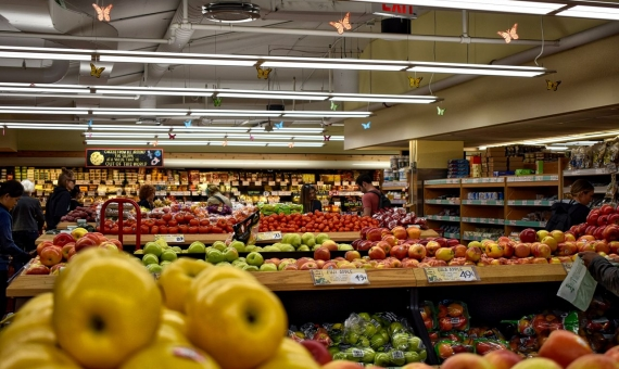 Commercial premise leased to supermarket Condis in Barcelona | rob-maxwell-6xb0-zjm_lu-unsplash-570x340-jpg
