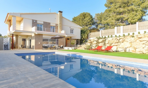 Beautiful newly renovated villa for summer rent in Calafell, Costa Dorada | 1