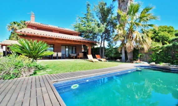 Summer rent villa with private pool in the coastal town of Calafell on Costa Dorada | 1-fileminimizer-4-570x340-jpg