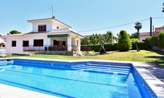 Lovely villa for summer rent in Roda de Bara area in Costa Dorada | 2