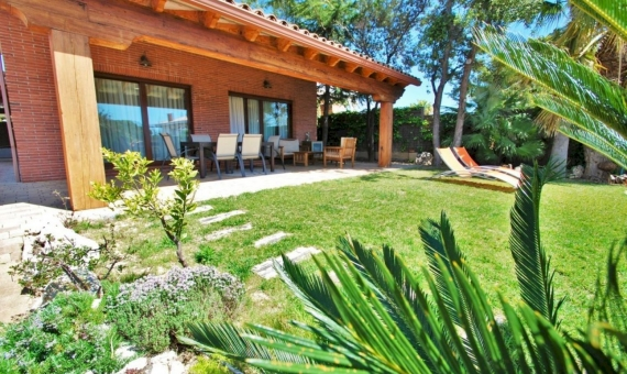 Summer rent villa with private pool in the coastal town of Calafell on Costa Dorada | 2