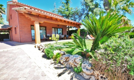 Summer rent villa with private pool in the coastal town of Calafell on Costa Dorada | 3