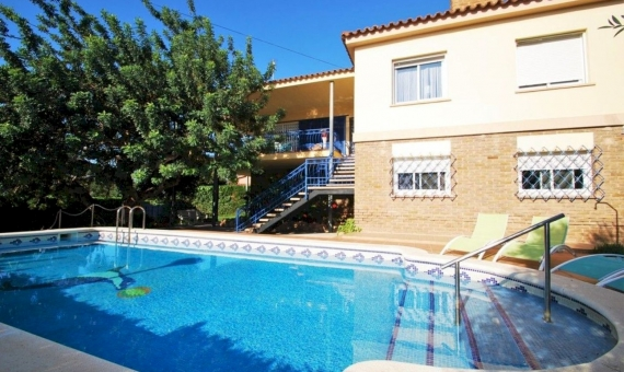 Villa of 220 m2 in a cozy town of Calafell in Costa Dorada | 4s4vhaiy-570x340-jpeg
