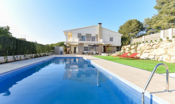 Beautiful newly renovated villa for summer rent in Calafell, Costa Dorada | 6-570x340-jpg