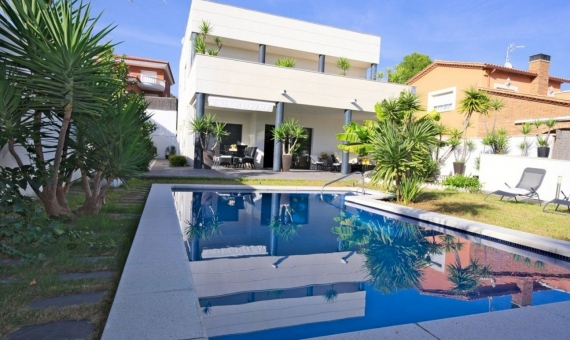 Modern style villa with sea views in a prestigious area of Calafell in Costa Dorada | 3
