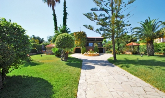Villa close to the beach with a large garden in Roda de Bara, Costa Dorada | 3