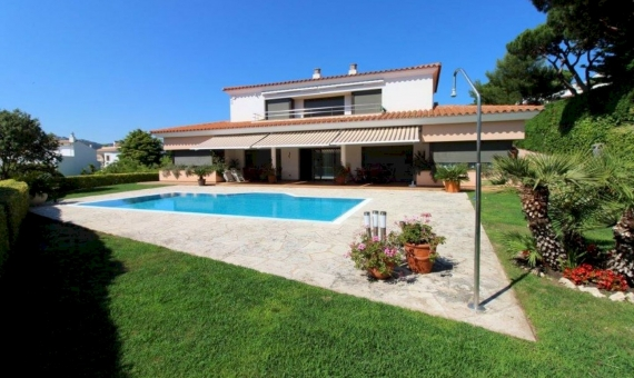 Beautiful Mediterranean villa 200 meters from the beach in S'Agaro, Costa Brava | 1