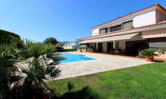 Beautiful Mediterranean villa 200 meters from the beach in S'Agaro, Costa Brava | 1-1217-570x340-jpg