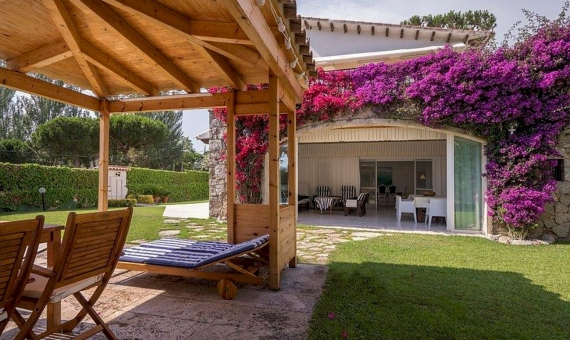 Elegant semi-detached villa in prestigious urbanization La Gavina, Costa Brava | 2