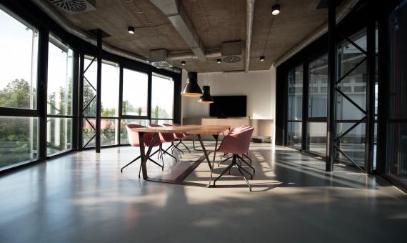 Edificio de oficinas de 3.996 m2 en el prestigioso barrio de Sant Gervasi, Barcelona | nastuh-abootalebi-ehd8y1znfpk-unsplash-570x340-jpg