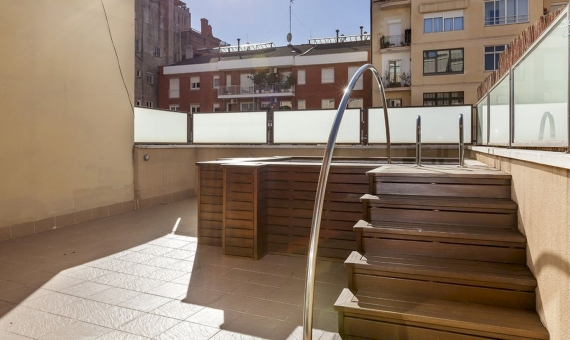 Spacious apartment with large terrace in the prestigious Sant Gervasi area | 3