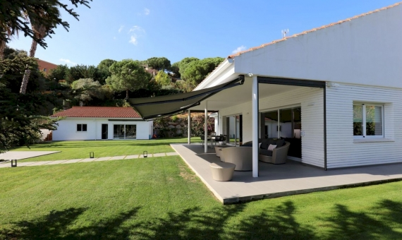 Beautiful new house in a prestigious urbanization in Sant Andreu de Llavaneres, Costa Maresme | 3