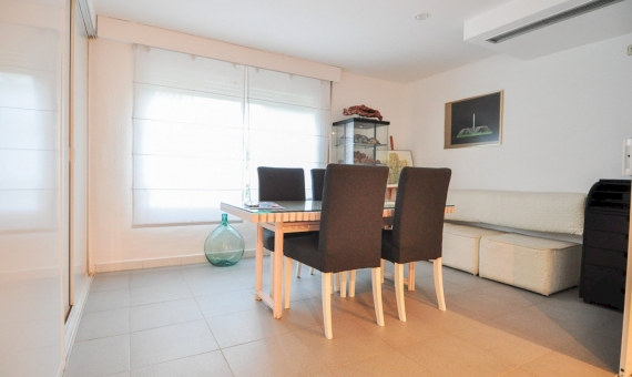 Apartment with a direct access to the beach in Gava Mar | 3
