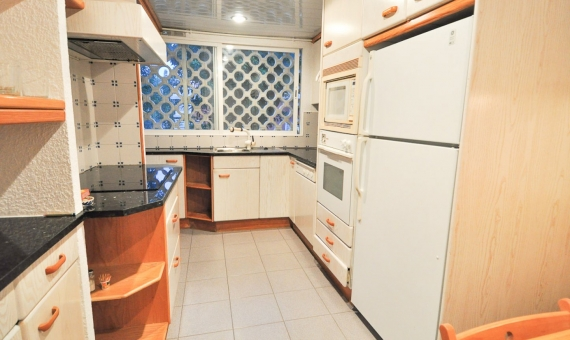 Apartment with a direct access to the beach in Gava Mar   4