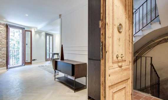 Elegant recently renovated apartments close to Plaza España, Barcelona | photo-2019-11-20-18-20-342-570x340-jpg