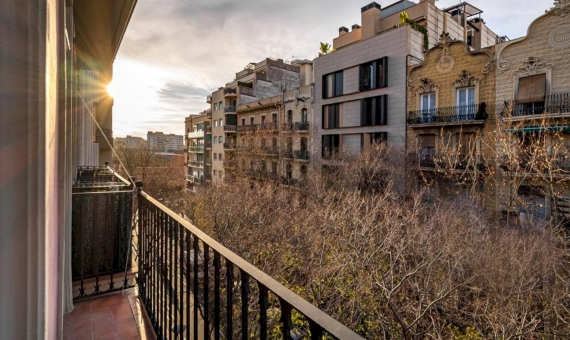 Fully refurbished flat in the heart of Eixample | 2
