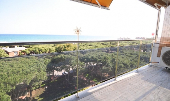 Apartment with beautiful views over the sea in Gava Mar | piso-alquiler-bermarpark-1400-_-3-570x340-jpg