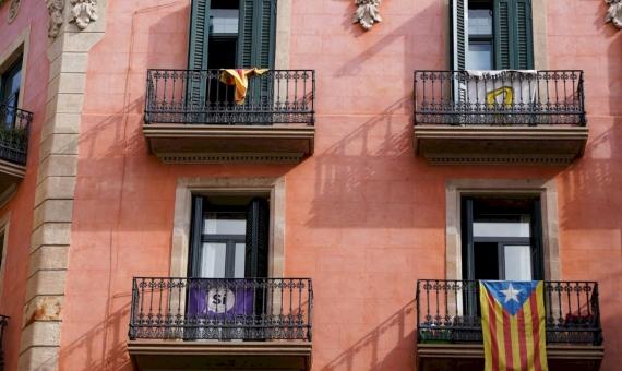 Edificio para rehabilitar en pleno centro histórico de Barcelona | zosia-korcz-jii09gk-qvg-unsplash-570x340-jpg
