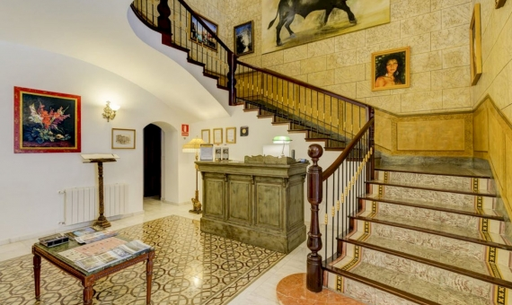 - Beautiful 4* hotel in the historic city center in the province of Alicante