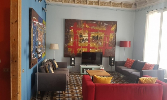 Apartment of 267 m2 with Plaza Catalonia views | whatsapp-image-2020-05-19-at-15-13-53-1-570x340-jpeg