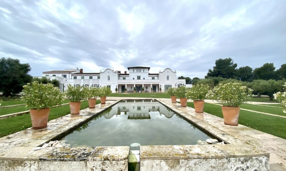 - Magnificent country estate in the heart of Penedes, a suburb of Barcelona