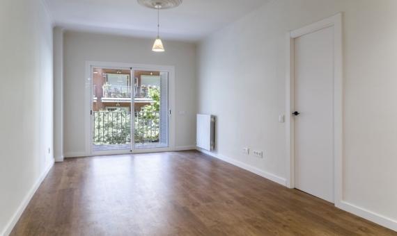 - Трехкомнатная квартира с ремонтом в районе Саграда Фамилия, Барселона