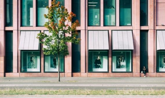 - 2 locales comerciales para comprar o alquilar en Avenida Diagonal en Barcelona