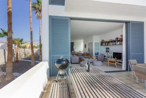 Casa en Granadilla, ciudad El Medano, 216 m2, jardin, terraza, balcon, garaje   | 28