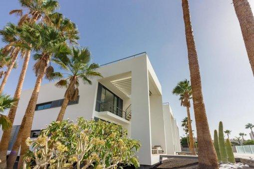 Casa en Granadilla, ciudad El Medano, 216 m2, jardin, terraza, balcon, garaje   | 33