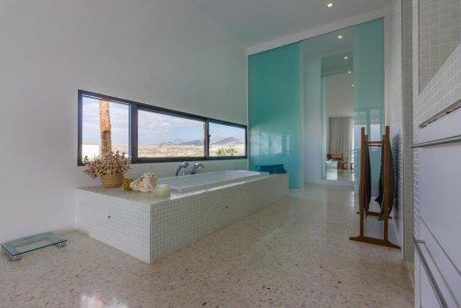 Casa en Granadilla, ciudad El Medano, 216 m2, jardin, terraza, balcon, garaje   | 37