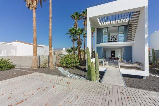 Casa en Granadilla, ciudad El Medano, 216 m2, jardin, terraza, balcon, garaje   | 43
