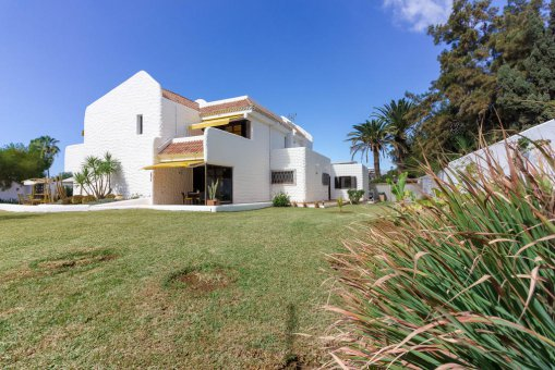 Villa in Arona, city Las Americas, 324 m2, garden, terrace, balcony, garage   | 68
