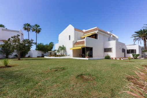 Villa in Arona, city Las Americas, 324 m2, garden, terrace, balcony, garage   | 57
