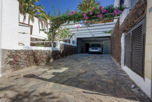 Villa in Arona, city Las Americas, 324 m2, garden, terrace, balcony, garage   | 66