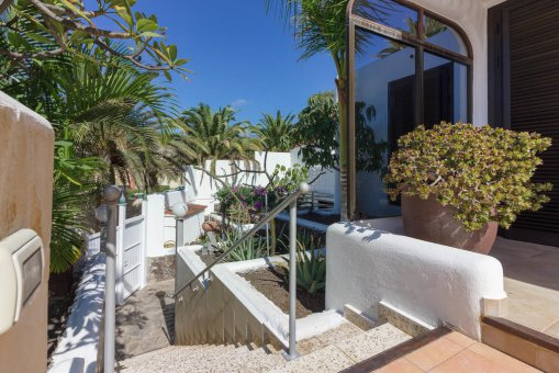 Villa in Arona, city Las Americas, 324 m2, garden, terrace, balcony, garage   | 67