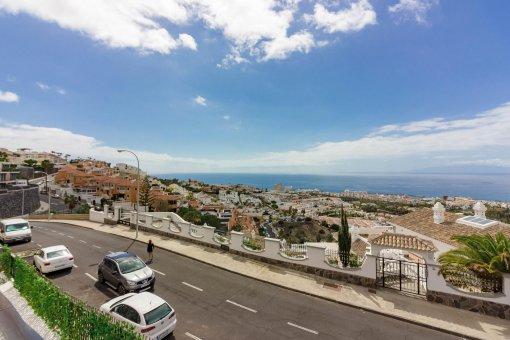 Вилла в Адехе, город Сан-Эухенио-Альто, 230 м2, сад, террасса, балкон   | 57